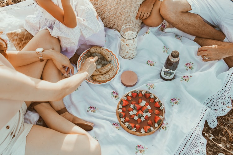 staying connected with nature thru picnic